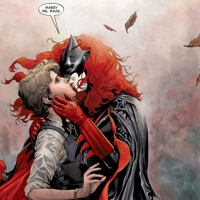 Batwoman proposes to her partner Maggie.