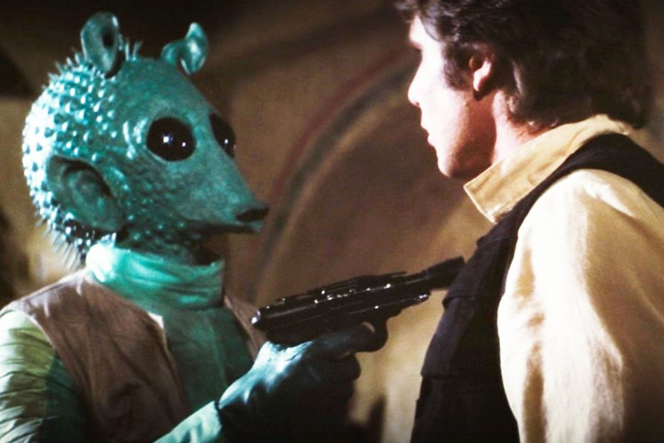 """Greedo faces off with Han Solo. Just before he says """"maclunkey""""."""